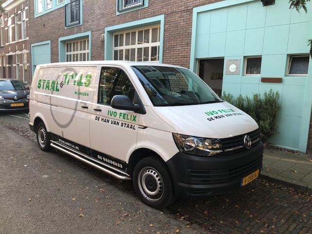 Nieuwe Bus van De Man van Staal!! Na 15 jaar heb ik weer een witte bus met een vernieuwd ontwerp, maar de basis blijft hetzelfd